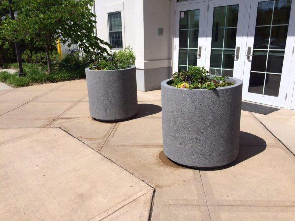 3ft Round Outdoor Concrete Planter W/ Toe Kick
